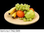 Чаша с фруктами на черном фоне. Стоковое фото, фотограф Елена Круглова / Фотобанк Лори