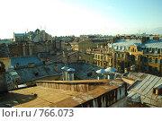 Крыши в лучах заката (фокус на переднем плане) Стоковое фото, фотограф Александра Яксон / Фотобанк Лори