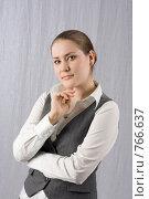 Задумчивая девушка. Стоковое фото, фотограф Смирнов Владимир / Фотобанк Лори