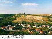 Купить «Поселок в ущелье», фото № 772505, снято 25 августа 2007 г. (c) Сергей Яковлев / Фотобанк Лори