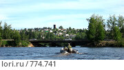 Купить «Мужчина плывет на моторной лодке», фото № 774741, снято 22 июня 2008 г. (c) Дубинин Дмитрий / Фотобанк Лори
