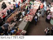 Рынок. Мясной ряд. (2009 год). Редакционное фото, фотограф Владимир Цветов / Фотобанк Лори