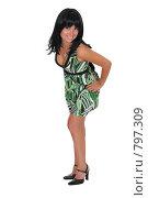 Купить «Красивая девушка стоит в зеленом платье», фото № 797309, снято 7 августа 2007 г. (c) Vdovina Elena / Фотобанк Лори