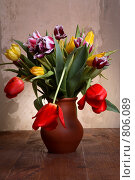 Тюльпаны в кувшине. Натюрморт. Стоковое фото, фотограф Пакалин Сергей / Фотобанк Лори