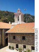 Купить «Двор старинного монастыря», фото № 808021, снято 11 июня 2006 г. (c) Харитонова Ольга / Фотобанк Лори