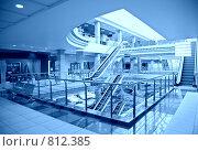 Купить «Интерьер торгового центра», фото № 812385, снято 22 августа 2018 г. (c) Losevsky Pavel / Фотобанк Лори