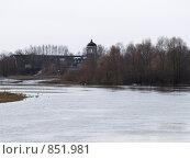 Церковь на фоне паводка. Стоковое фото, фотограф Вячеслав Углов / Фотобанк Лори
