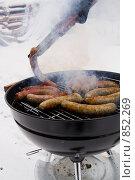 Купить «Баварские колбаски жарятся на гриле», фото № 852269, снято 1 января 2009 г. (c) Миняева Ольга / Фотобанк Лори