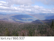 Купить «Радуга над плато Лагонаки», фото № 860937, снято 3 мая 2009 г. (c) Игорь Архипов / Фотобанк Лори