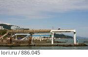 Купить «Подготовка пляжа к курортному сезону», фото № 886045, снято 13 мая 2009 г. (c) Наталья Чуб / Фотобанк Лори