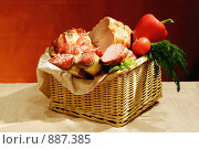 Купить «Корзинка для гурмана», фото № 887385, снято 6 ноября 2005 г. (c) Татьяна Белова / Фотобанк Лори