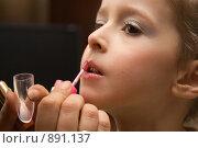 Детский макияж. Стоковое фото, фотограф Олег Юрмашев / Фотобанк Лори