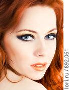 Купить «Рыжеволосая красавица. Крупный план», фото № 892061, снято 27 февраля 2009 г. (c) Вероника Галкина / Фотобанк Лори