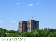 Вид на строительство современного жилого комплекса. Стоковое фото, фотограф Роман Смирнов / Фотобанк Лори