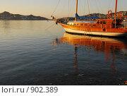 Спокойное море на закате. Стоковое фото, фотограф Елена Реднева / Фотобанк Лори