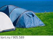Палатки на берегу моря. Стоковое фото, фотограф Дарья Мирошникова / Фотобанк Лори
