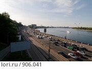 Купить «Автомобильное движение в г.Киев», фото № 906041, снято 3 мая 2009 г. (c) Никончук Алексей / Фотобанк Лори