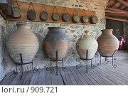 Купить «Греция, Великие Метеоры, сосуды», эксклюзивное фото № 909721, снято 24 апреля 2009 г. (c) Дмитрий Неумоин / Фотобанк Лори
