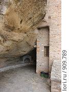 Купить «Греция, Метеоры», эксклюзивное фото № 909789, снято 24 апреля 2009 г. (c) Дмитрий Неумоин / Фотобанк Лори