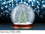 Купить «Стеклянный шар с елкой», иллюстрация № 933345 (c) Сергей Галушко / Фотобанк Лори