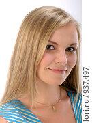 Купить «Портрет блондинки», фото № 937497, снято 2 августа 2008 г. (c) Михаил Малышев / Фотобанк Лори
