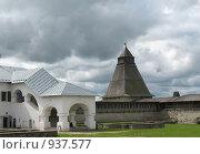 Купить «Псковский кремль, деревянная башня, внутренний двор», фото № 937577, снято 6 июня 2009 г. (c) Морковкин Терентий / Фотобанк Лори