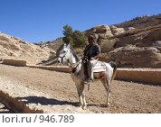 Купить «Бедуин на арабском скакуне», фото № 946789, снято 26 ноября 2008 г. (c) Irina Opachevsky / Фотобанк Лори