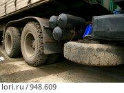Три колеса от машины. Стоковое фото, фотограф Борисова Юлия / Фотобанк Лори