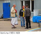 Купить «Кришнаиты. Праздник колесниц», эксклюзивное фото № 951169, снято 6 июня 2009 г. (c) lana1501 / Фотобанк Лори
