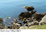 Камни в море. Стоковое фото, фотограф Ангелина Сырейщикова / Фотобанк Лори