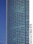 Купить «Бесконечные этажи небоскреба», фото № 962973, снято 26 апреля 2009 г. (c) Олег Рыбаков / Фотобанк Лори