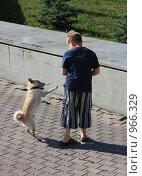 Мальчик с собакой (2009 год). Редакционное фото, фотограф Гульнара Магданова / Фотобанк Лори