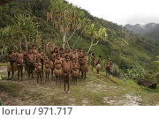 Племя папуасов провинции Ириан Джай (2007 год). Редакционное фото, фотограф Александр Киселев / Фотобанк Лори
