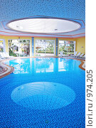 Купить «Крытый бассейн», фото № 974205, снято 17 мая 2009 г. (c) Анфимов Леонид / Фотобанк Лори