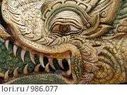 Купить «Фрагмент рельефа лестницы в Буддийском монастыре в Паттае. Таиланд», фото № 986077, снято 23 июня 2009 г. (c) Куликова Татьяна / Фотобанк Лори
