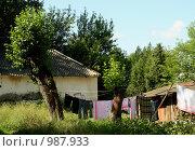 Старая Русса. Белье, развешенное на улице (2009 год). Стоковое фото, фотограф Корчагина Полина / Фотобанк Лори