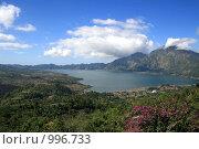 Купить «Озеро Батур в кратере вулкана, Индонезия, остров Бали», фото № 996733, снято 17 июля 2009 г. (c) Васильева Татьяна / Фотобанк Лори