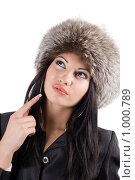 Купить «Девушка в меховой шапке», фото № 1000789, снято 18 сентября 2008 г. (c) Сергей Сухоруков / Фотобанк Лори