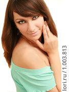 Красивая девушка на белом фоне. Стоковое фото, фотограф Сухоносова Анастасия / Фотобанк Лори