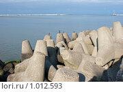 Купить «Морской пейзаж, набережная города Балтийск», фото № 1012593, снято 18 сентября 2008 г. (c) Parmenov Pavel / Фотобанк Лори