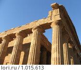 Купить «Храм Геры в Долине храмов, фрагмент», фото № 1015613, снято 31 декабря 2006 г. (c) Chumakov Nina / Фотобанк Лори