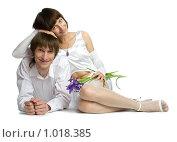 Купить «Юноша и девушка в белой одежде», фото № 1018385, снято 30 июля 2009 г. (c) Григорьева Любовь / Фотобанк Лори