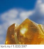 Купить «Оранжевые кристаллы исландского шпата на фоне синего неба», фото № 1033597, снято 9 июня 2009 г. (c) Надежда Щур / Фотобанк Лори