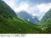 Купить «Горы Кавказа летом», фото № 1041957, снято 19 июля 2009 г. (c) Артём Сапегин / Фотобанк Лори