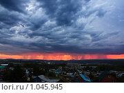 Грозовой фронт с молнией. Стоковое фото, фотограф Евгений Булатов / Фотобанк Лори