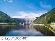 Купить «Саяно-Шушенская ГЭС», фото № 1050481, снято 4 июля 2009 г. (c) Сергей Болоткин / Фотобанк Лори