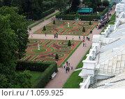 Купить «Екатерининский дворец с крыши храма», фото № 1059925, снято 17 августа 2009 г. (c) Подтуркин Алексей / Фотобанк Лори
