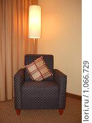 Классическое кресло. Стоковое фото, фотограф Владимир Кириенко / Фотобанк Лори