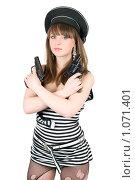 Купить «Девушка с пистолетами», фото № 1071401, снято 27 февраля 2009 г. (c) Сергей Сухоруков / Фотобанк Лори