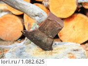 Топор. Стоковое фото, фотограф Осиев Антон / Фотобанк Лори